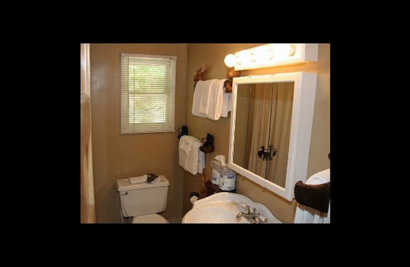 Cottage bathroom at Watson's Harverene Resort.