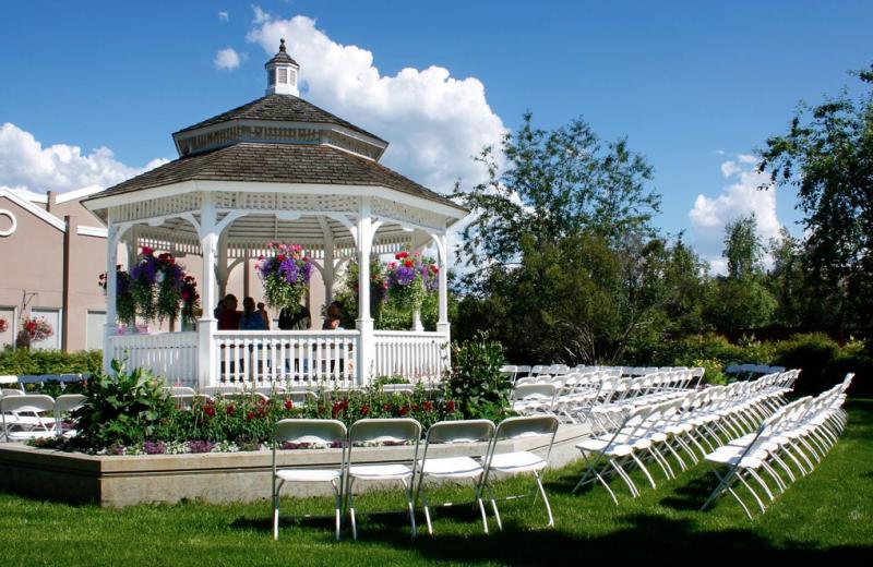 Weddings at Wedgewood Resort.