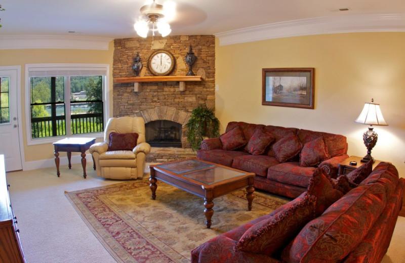 Condo living room at FieldStone Inn.