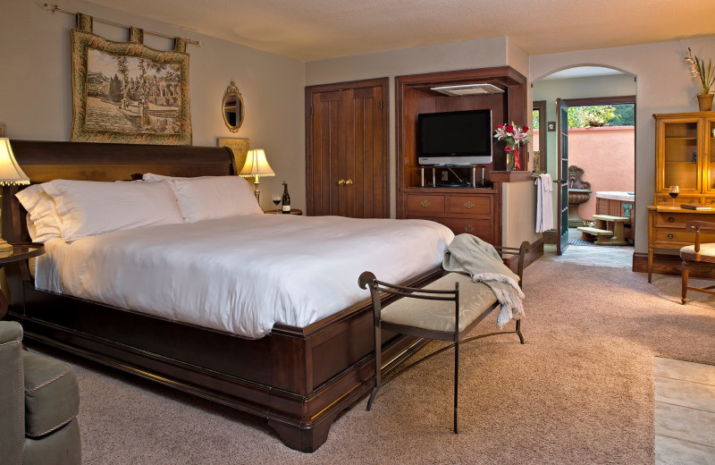 Guest room with jacuzzi at Applewood Inn, Restaurant and Spa.