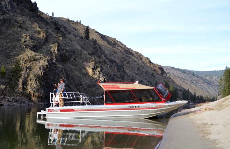 Jet boat Salmon River Tours.