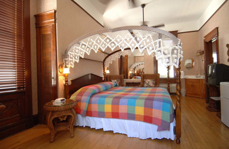 Guest room at Curry Mansion Inn.