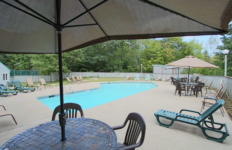 Outdoor pool at The Lodge at Lincoln Station.