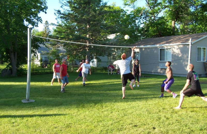 Volleyball at Shady Grove Resort.