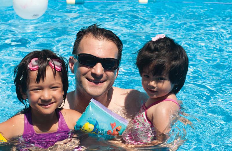 Family at Vine Ridge Resort.