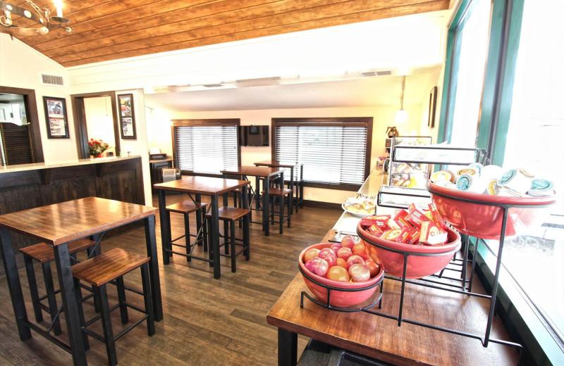 Breakfast at Peach Tree Inn & Suites.
