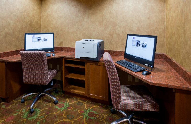 Business center at Hampton Inn Duluth.