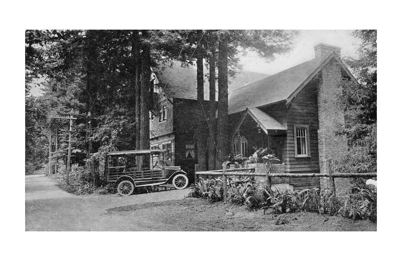 Historic photo of Highland Dell Lodge.