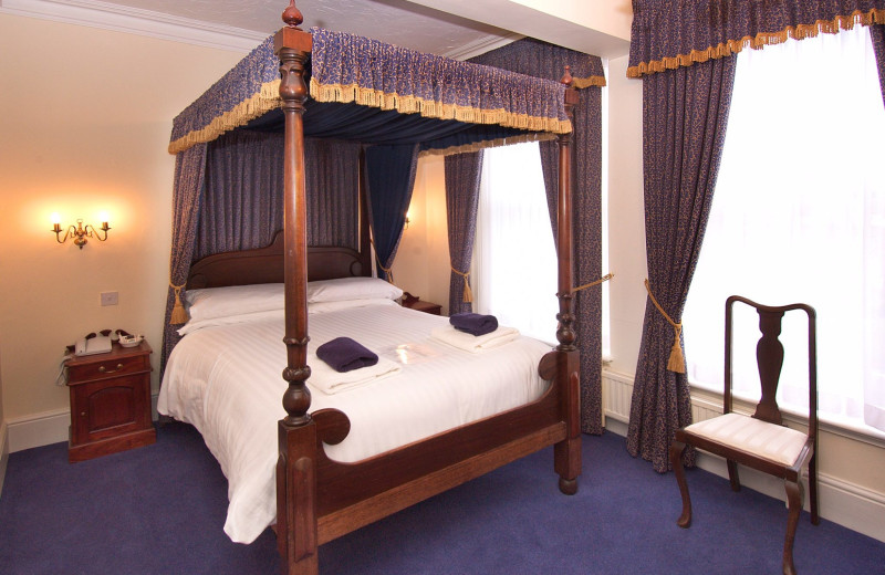 Guest room at Arden House Hotel.