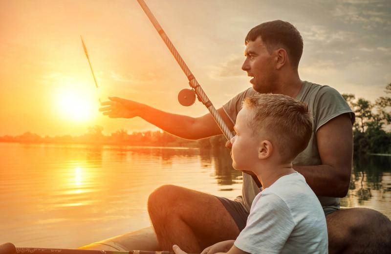 Family fishing at Cobtree Vacation Rental Homes.