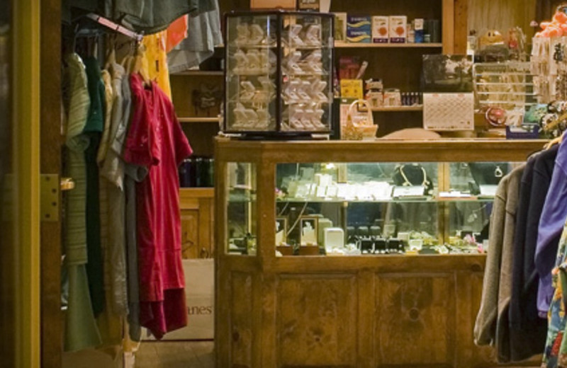 Gift shop at Lodge at Cliff Castle.