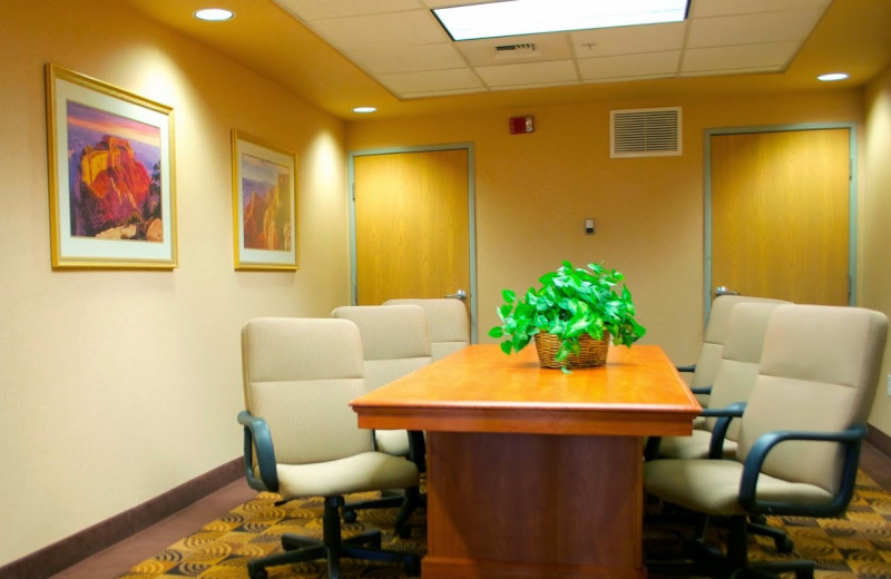 Meeting room at Hampton Inn & Suites Flagstaff.