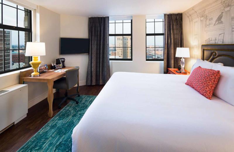 Guest room at Hotel Indigo Baltimore - Mt. Vernon.