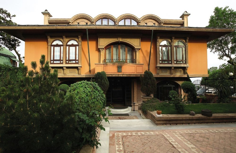 Exterior view of Sultanahmet Palace Hotel.