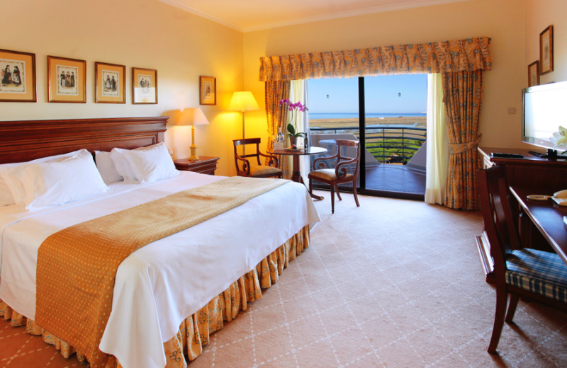 Guest room at Hotel Quinta do Lago.