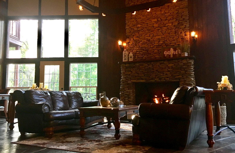 Treehouse living room at White Oak Lodge & Resort.