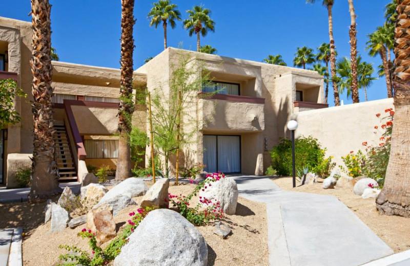 Exterior view of Desert Vacation Villas.
