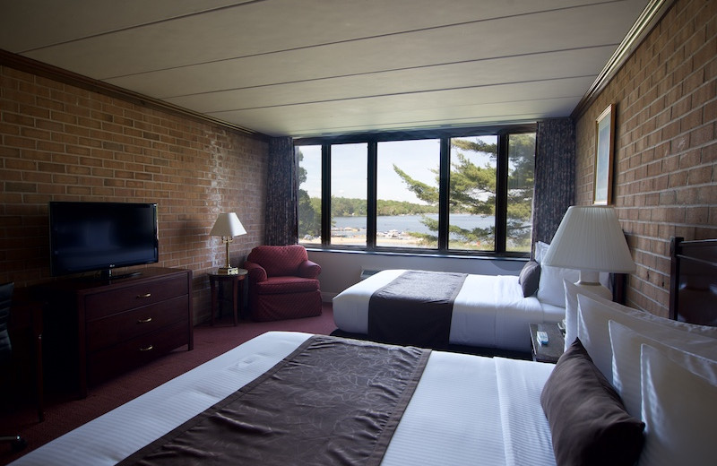 Guest room at Split Rock Resort & Golf Club.