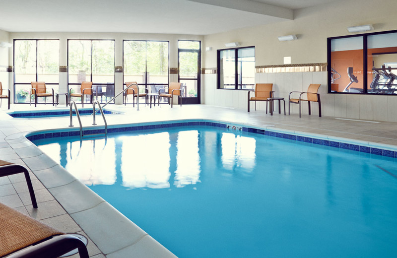 Indoor pool at Courtyard Rotherham.