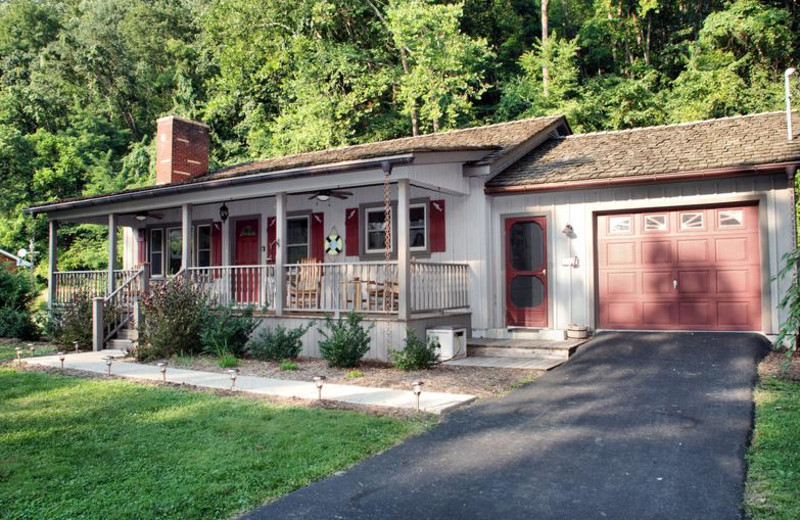 Cottage exterior at Greenbrier River Retreat.