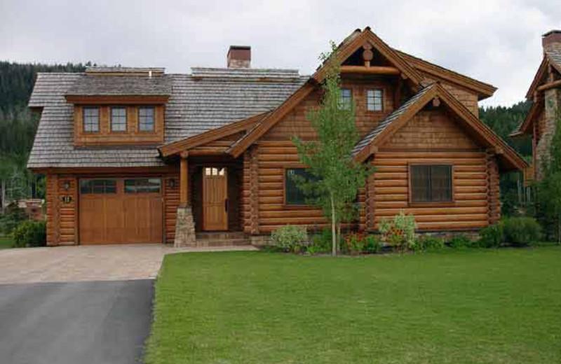 Luxury cabin at Teton Springs Lodge.