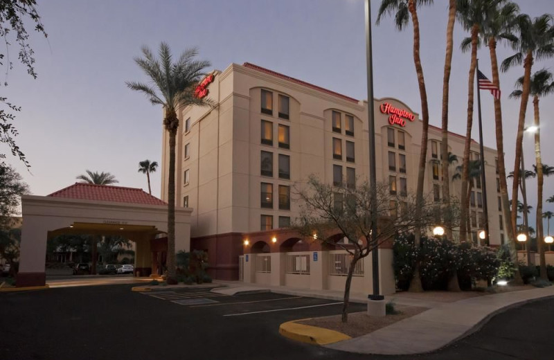 Exterior view of Hampton Inn Phoenix-Chandler.