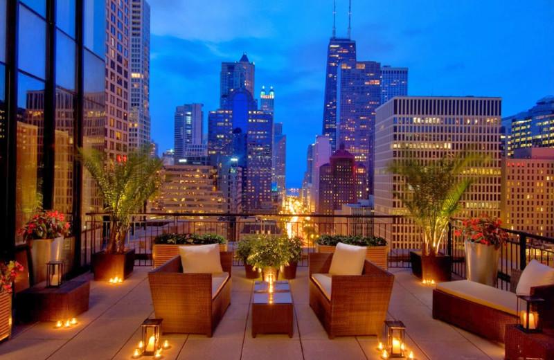 Outdoor patio at Conrad Chicago Hotel.