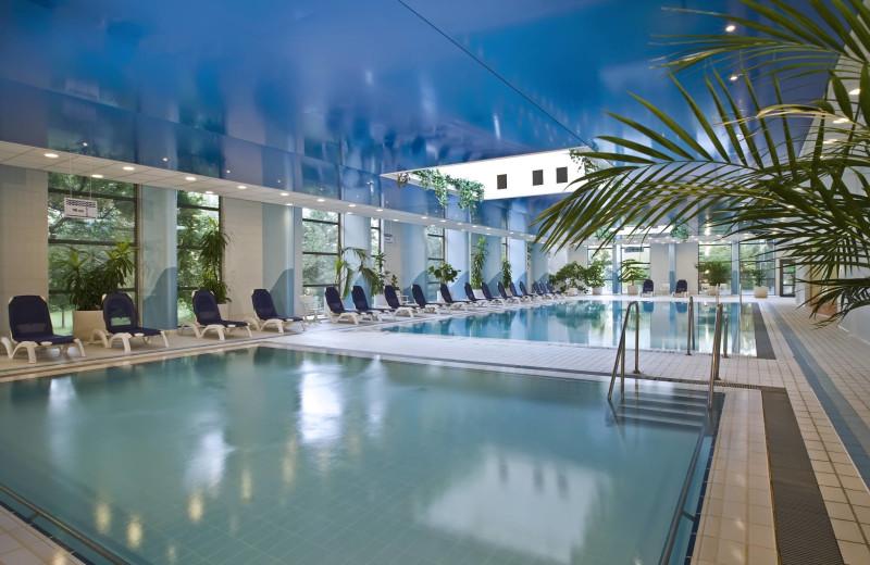 Indoor pool at Danubius Thermal Hotel Helia.