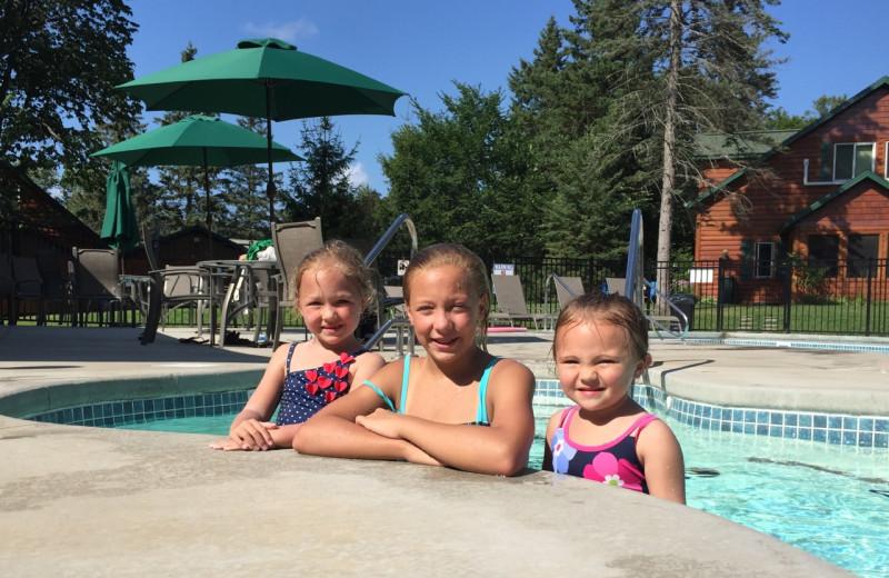 Kids in pool at Woodland Beach Resort.