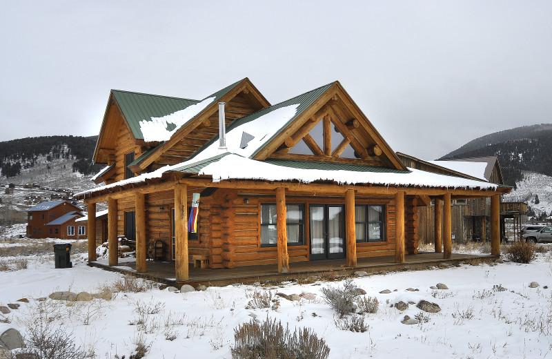Rental exterior at Alpine Getaways.