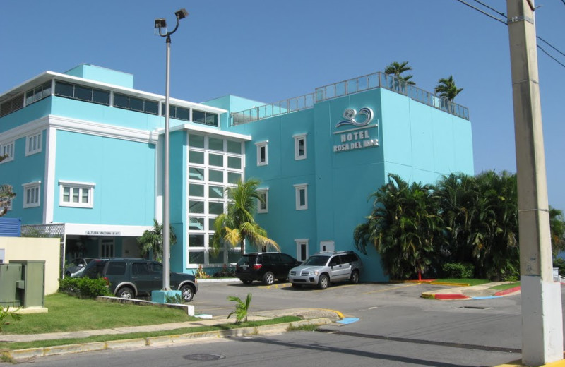 Exterior view of Hotel Rosa del Mar.