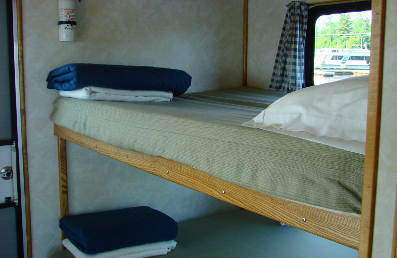 Houseboat beds at Voyagaire Lodge and Houseboats.