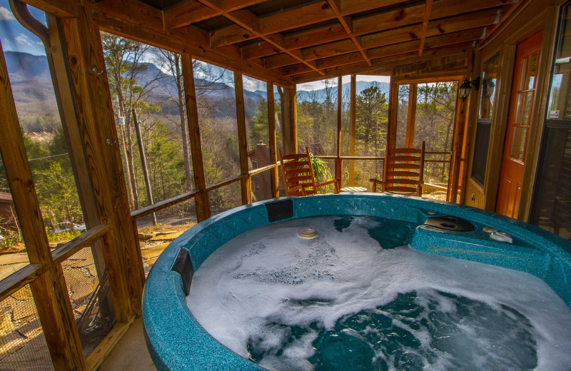 Rental hot tub at Cobbly Nob Rentals.