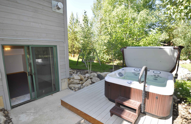 Jacuzzi Steamboat Lodging Properties.