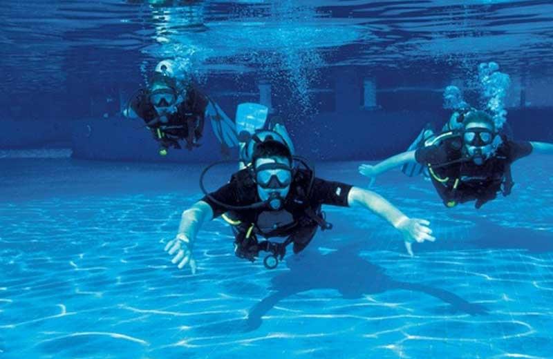 Diving at Hotel Villa Rolandi.