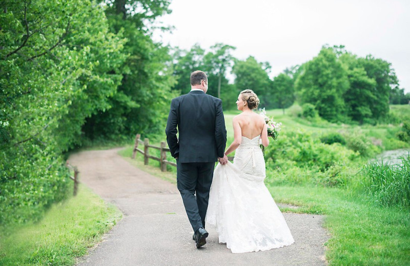 Wedding couple at Ruttger's Bay Lake Lodge.