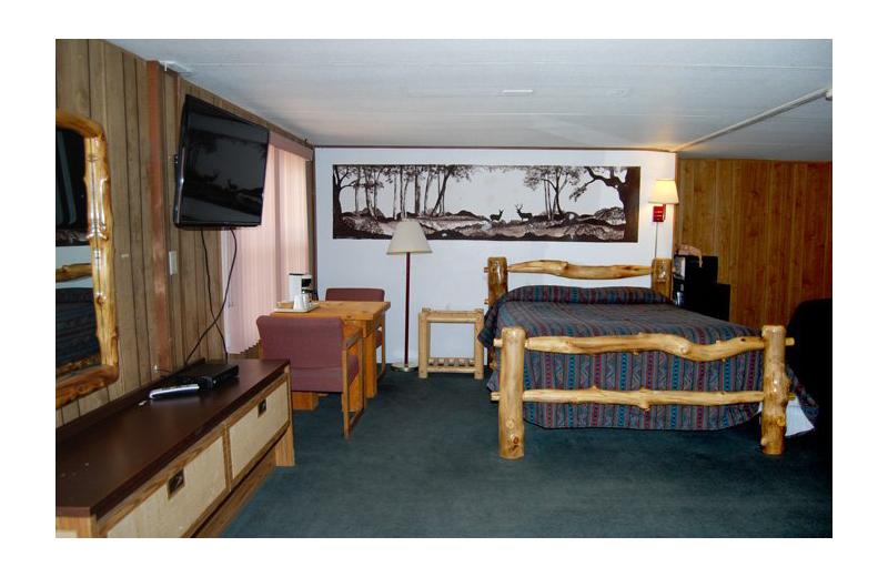 Guest room at Marianna Inn.