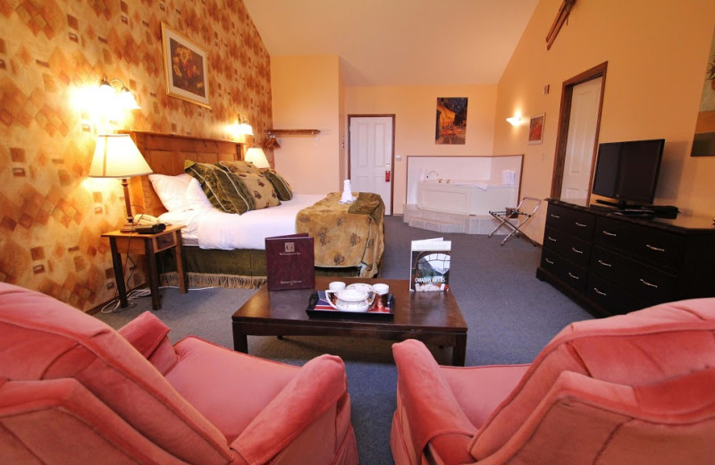 Guest room at Georgetown Inn.