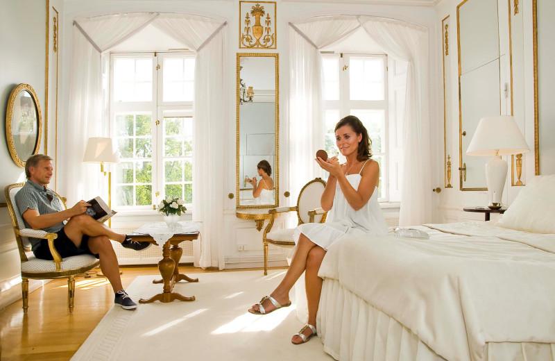 Guest room at Mauritzbergs Slott.