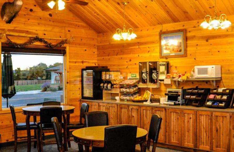 Breakfast room at Bryce Canyon Inn.