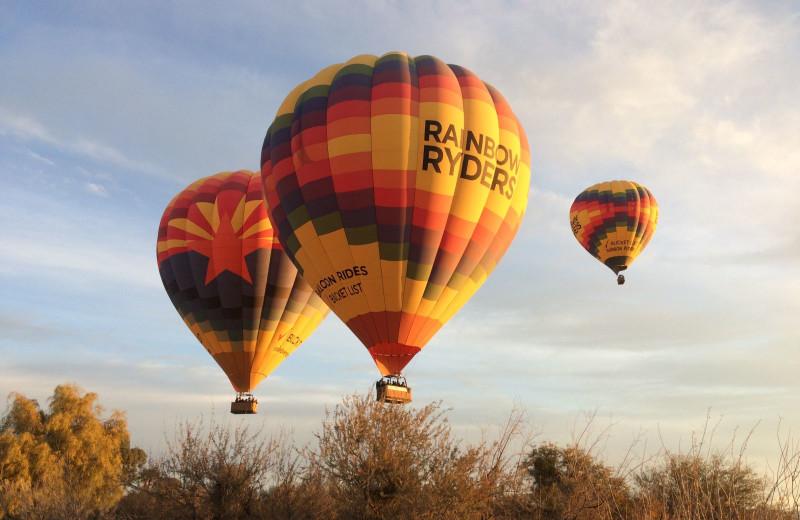 Hot air balloons at Rancho De Los Caballeros.