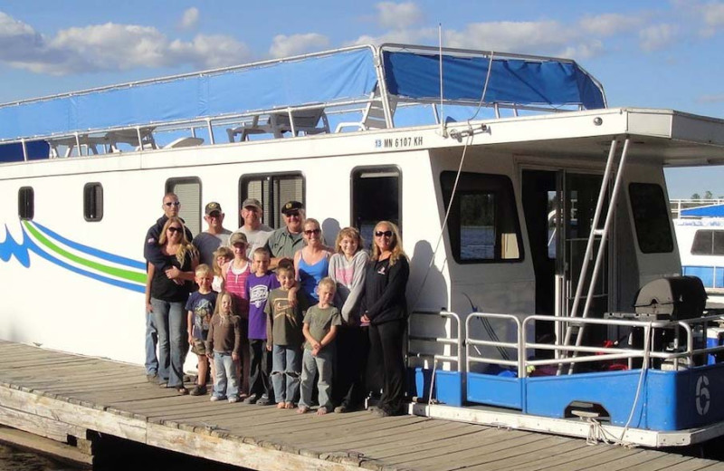Family reunion at Timber Bay Lodge & Houseboats.