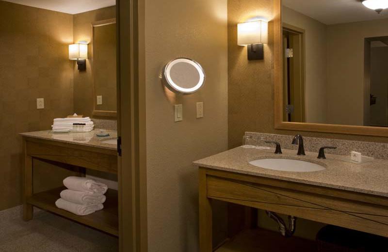 Guest bathroom at Eldorado Hotel.