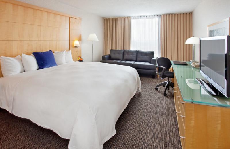 Guest room at Millennium Hotel Cincinnati.