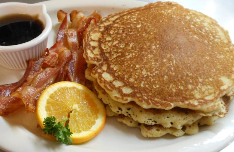 Coffee, pancakes, and bacon at Windwood Fly-In Resort.