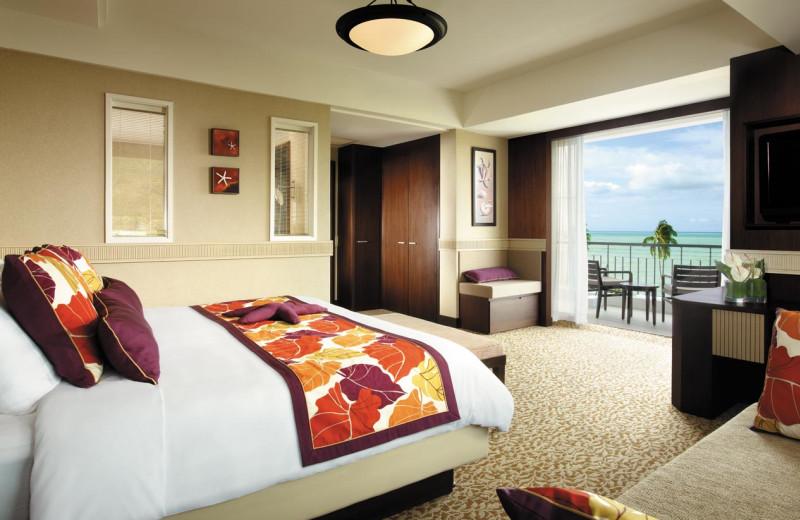 Guest room at Shangri-La's Golden Sands Resort.