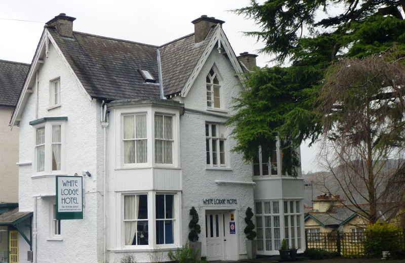 Exterior view of White Lodge Hotel.
