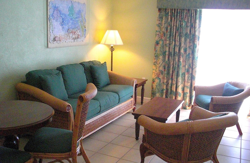 Guest room sitting area at Chesapeake Beach Resort.