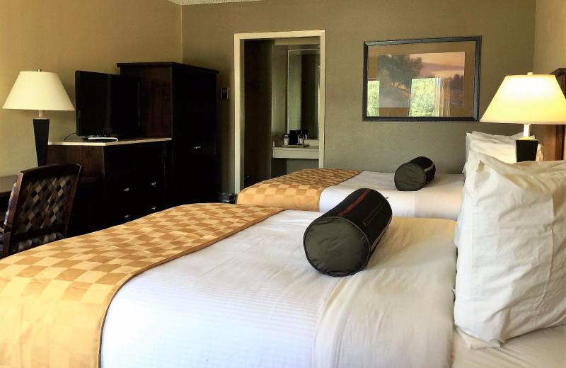 Guest room at Hotchkiss Inn.