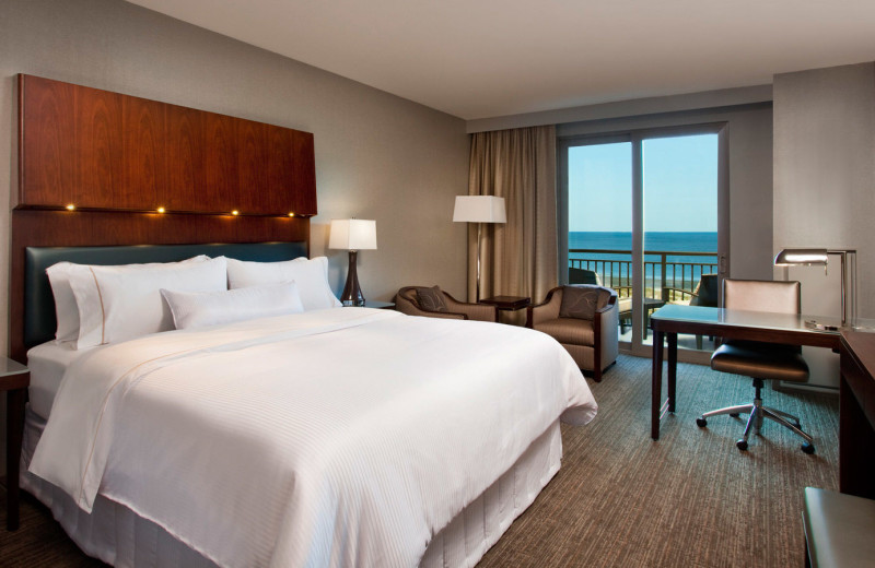 Guest room at Westin Jekyll Island